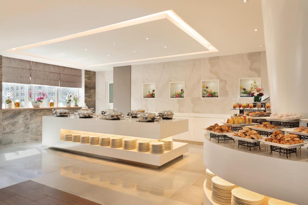 Ontbijt ruimte Ramada hotel ABU Dhabi Corniche
