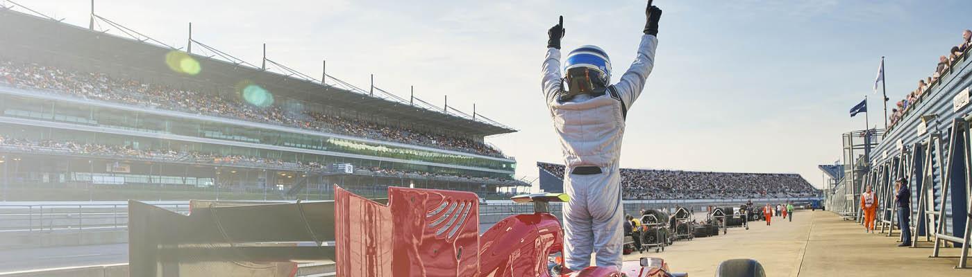 F1 is jarig